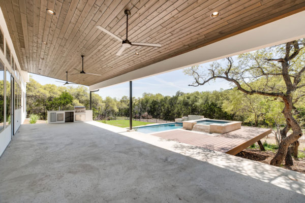 San Antonio Custom Home - Modern Outdoor Kitchen and Patio